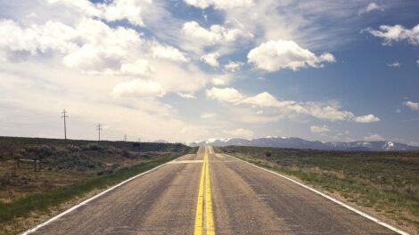 Emile Ousso : l'impact du réseau routier sur le développement économique au Congo